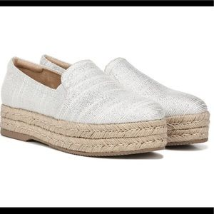 NATURALIZER Whitley Espadrilles. NWOB